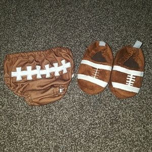 🎀Football diaper cover and slippers🎀